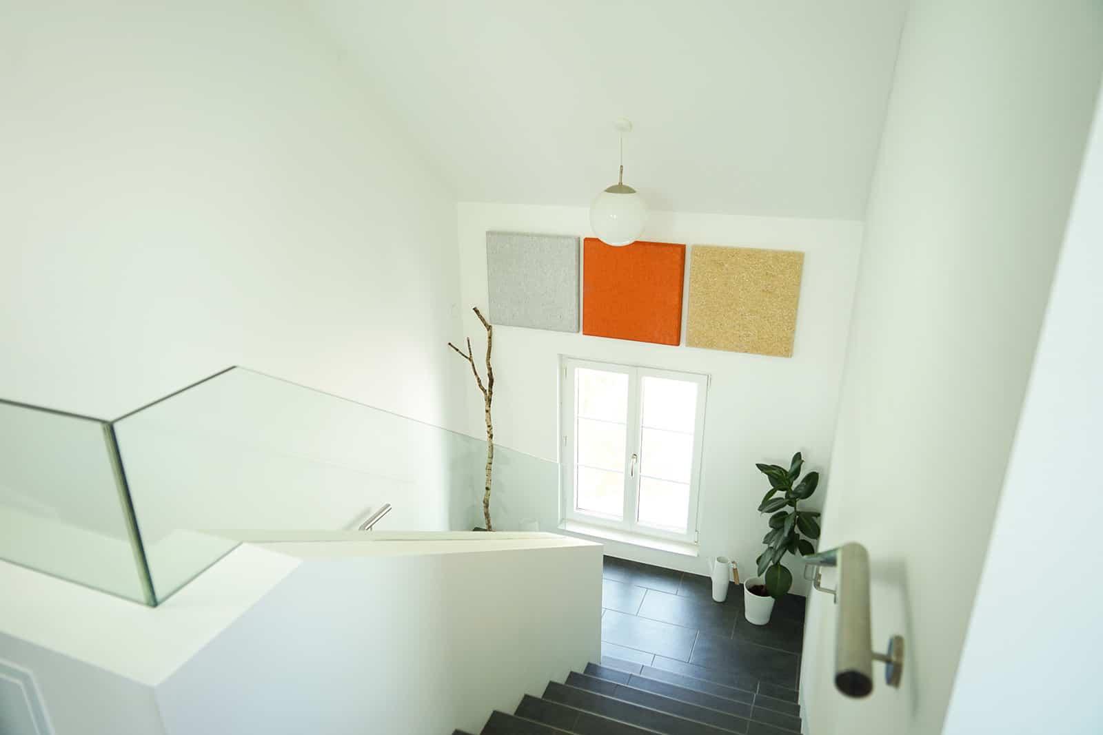 Stiegenhaus in Wohn- und Geschäftshaus mit bester Raumakustik