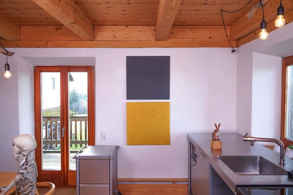 HOLZ AKUSTIK kombiniert mit Holz, Edelstahl und Aluminium